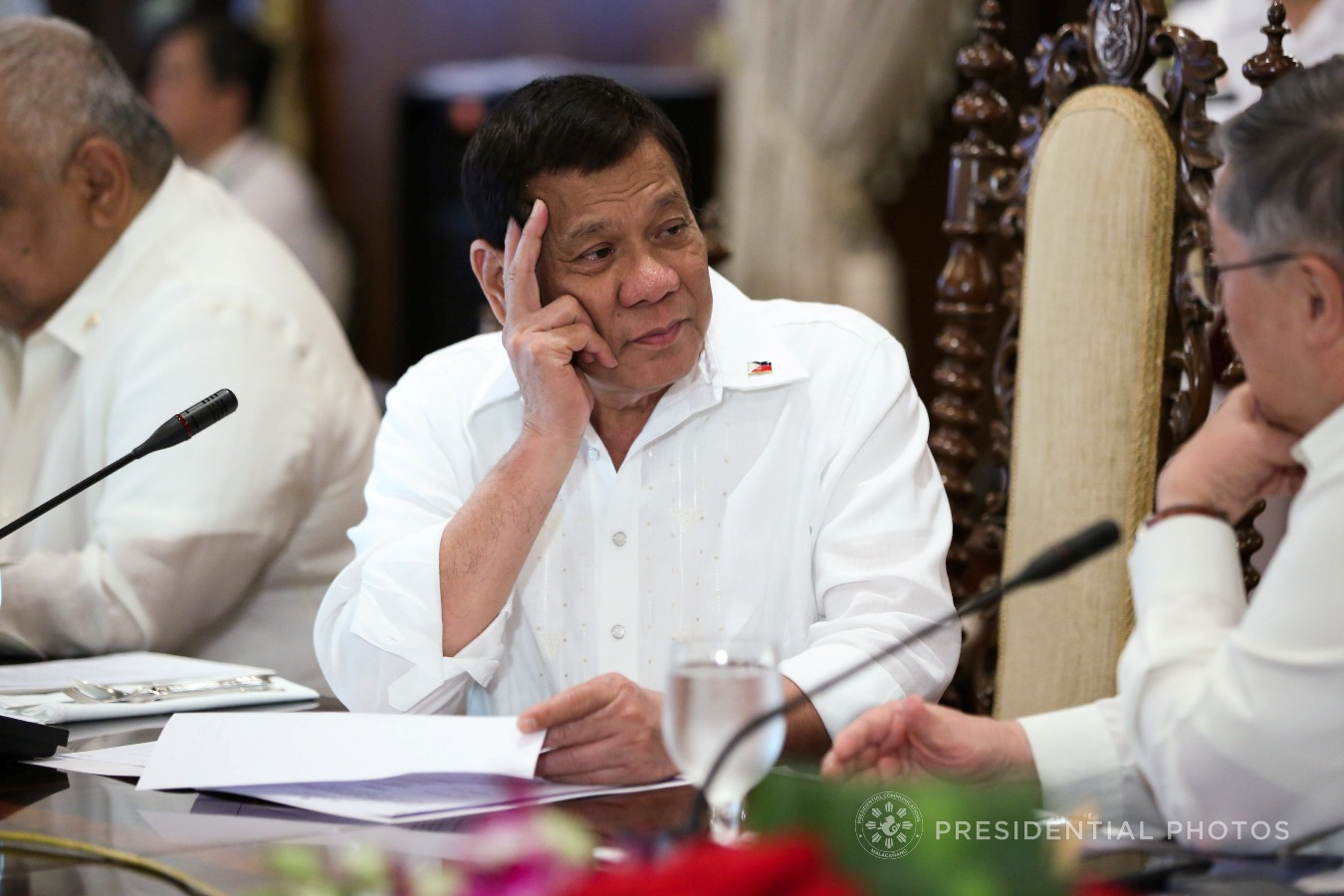 President Rodrigo Roa Duterte discusses matters with Finance Secretary Carlos Dominguez III during the cabinet cluster meeting in Malacañan Palace on November 6, 2017. KARL NORMAN ALONZO/PRESIDENTIAL PHOTO