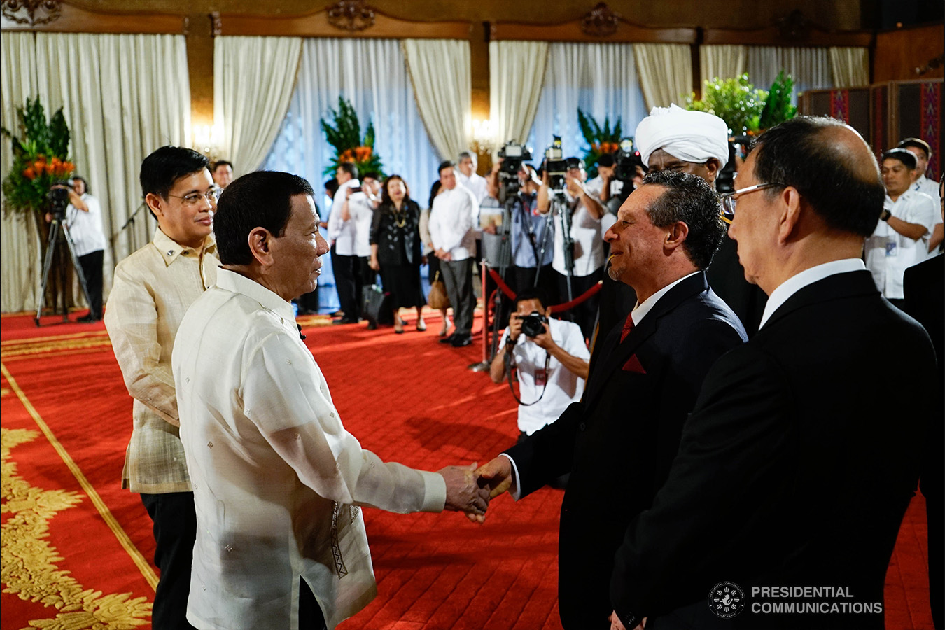 President Rodrigo Roa Duterte shares a light moment with Non-resident Ambassador Designate of the Republic of Peru Fernando Julio Antonio Campos Quiros after the latter presented his credentials to the President during a ceremony at the Malacañan Palace on January 21, 2019. KING RODRIGUEZ/PRESIDENTIAL PHOTO
