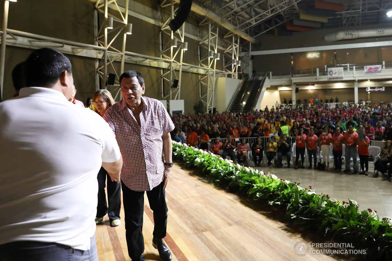 President Rodrigo Roa Duterte greets some of the guests during the 4th Roa Clan Grand Reunion at the Limketkai Center in Cagayan de Oro City on January 25, 2019. KARL ALONZO/PRESIDENTIAL PHOTO