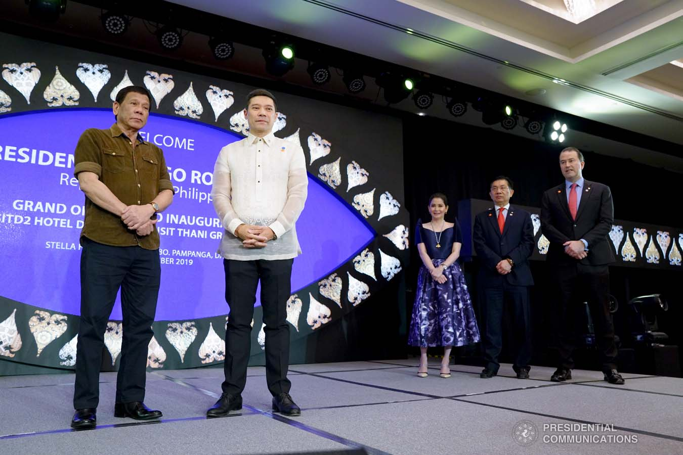 President Rodrigo Roa Duterte and Torre Lorenzo Development Corporation (TLDC) CEO Tomas Lorenzo pose for posterity during the inauguration of the Dusit D2 Davao Hotel in Davao City on September 6, 2019. JOEY DALUMPINES/PRESIDENTIAL PHOTO