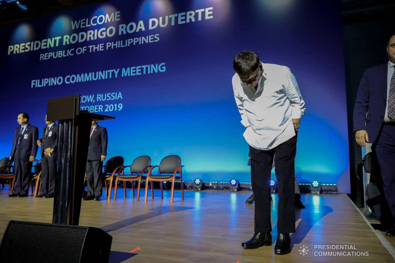 President Rodrigo Roa Duterte takes a bow before the Filipinos based in Russia who met with the President at the Exhibition of Achievements of National Economy (VDNH) in Moscow on October 5, 2019. ROBINSON NIÑAL JR./PRESIDENTIAL PHOTO