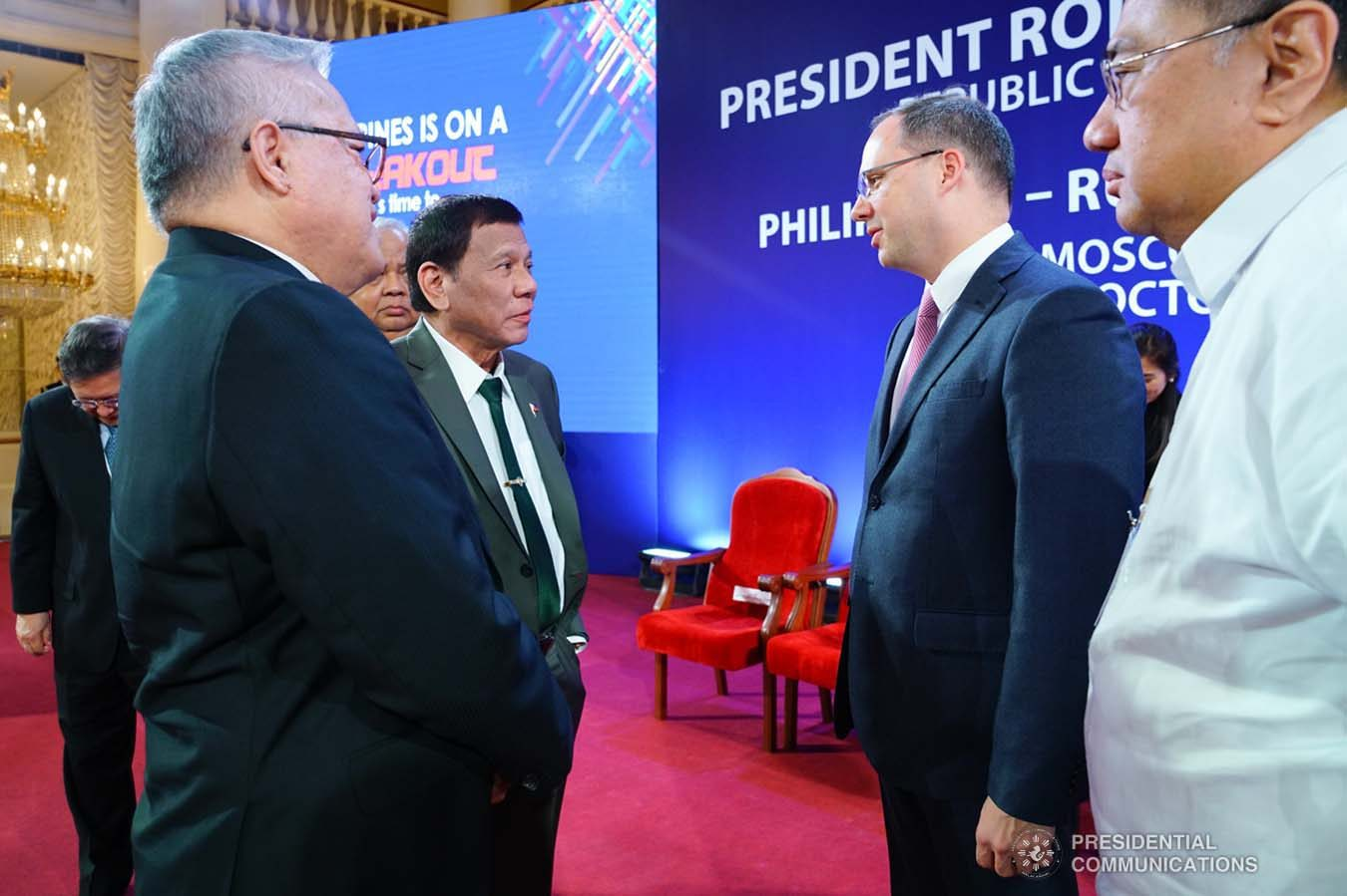 President Rodrigo Roa Duterte chats with one of the guests during the Philippines-Russia Business Forum at the House of the Unions in Moscow, Russian Federation on October 4, 2019. JOEY DALUMPINES/PRESIDENTIAL PHOTO