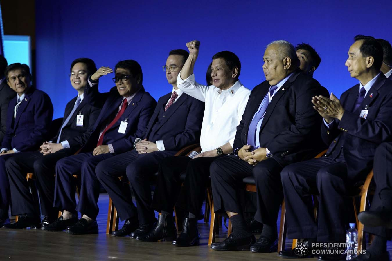 President Rodrigo Roa Duterte raises his fist before the Filipinos based in Russia who met with the President at the Exhibition of Achievements of National Economy (VDNH) in Moscow on October 5, 2019. JOEY DALUMPINES/PRESIDENTIAL PHOTO