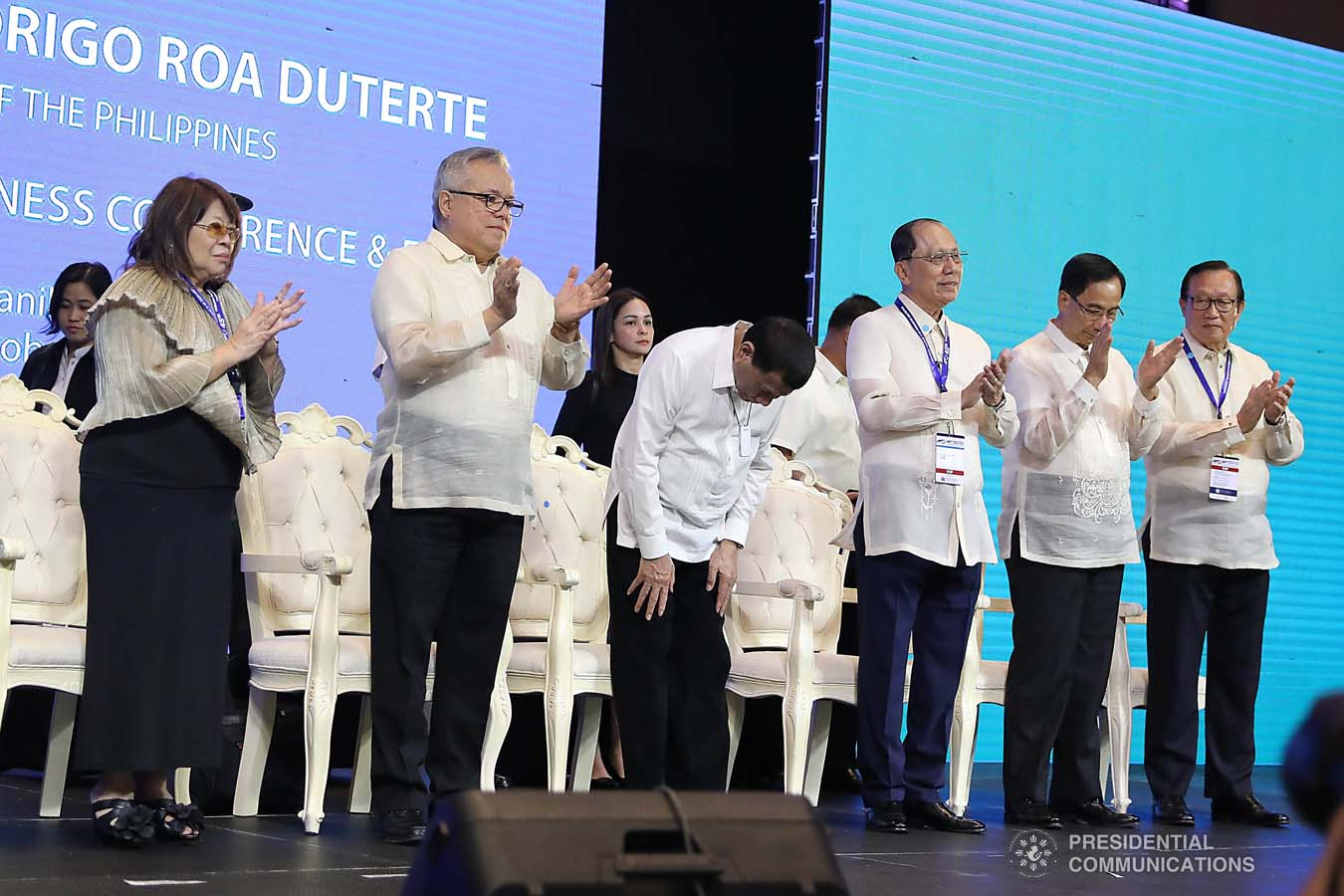 President Rodrigo Roa Duterte takes a bow before the guests as he takes center stage during the 45th Philippine Business Conference and Expo at The Manila Hotel on October 17, 2019. VALERIE ESCALERA/PRESIDENTIAL PHOTO
