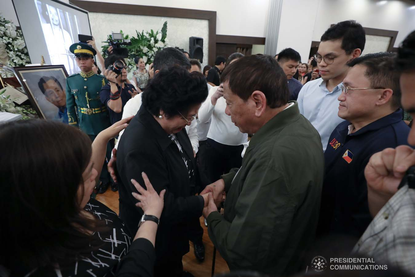 President Rodrigo Roa Duterte condoles with the family of the late former Senate President Aquilino Pimentel Jr. as he visits the wake at the Heritage Memorial Park in Taguig City on October 22, 2019. KARL NORMAN ALONZO/PRESIDENTIAL PHOTO