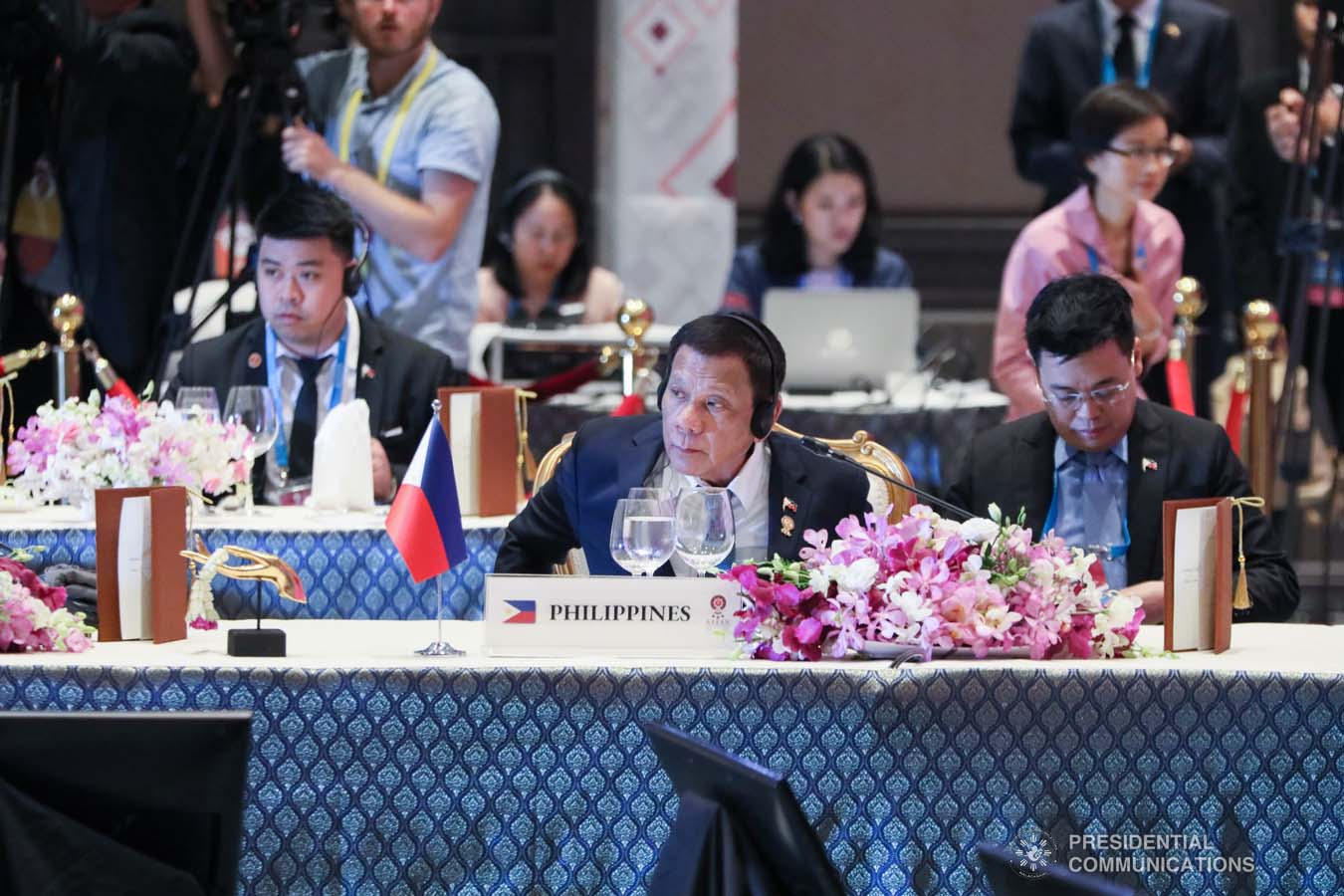 President Rodrigo Roa Duterte joins other leaders during the Special Lunch on Sustainable Development at the Impact Exhibition and Convention Center in Nonthaburi, Thailand on November 4, 2019. AVITO DALAN/PRESIDENTIAL PHOTO