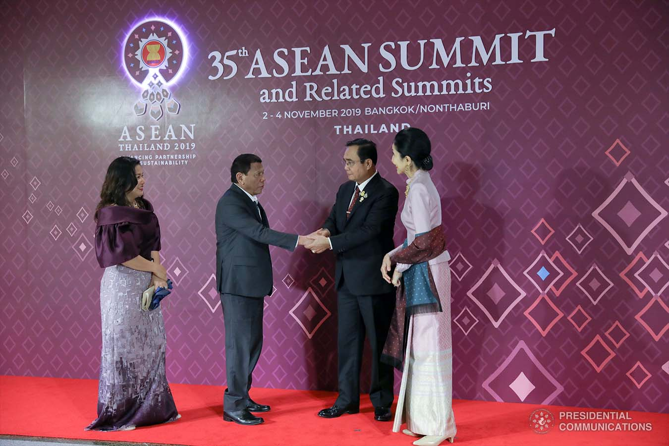 President Rodrigo Roa Duterte and his partner Cielito Avanceña are welcomed by Kingdom of Thailand Prime Minister Prayuth Chan-o-Cha and his wife Naraporn upon their arrival at the Impact Exhibition and Convention Center in Nonthaburi, Thailand for the gala dinner on November 3, 2019. SIMEON CELI JR./PRESIDENTIAL PHOTO