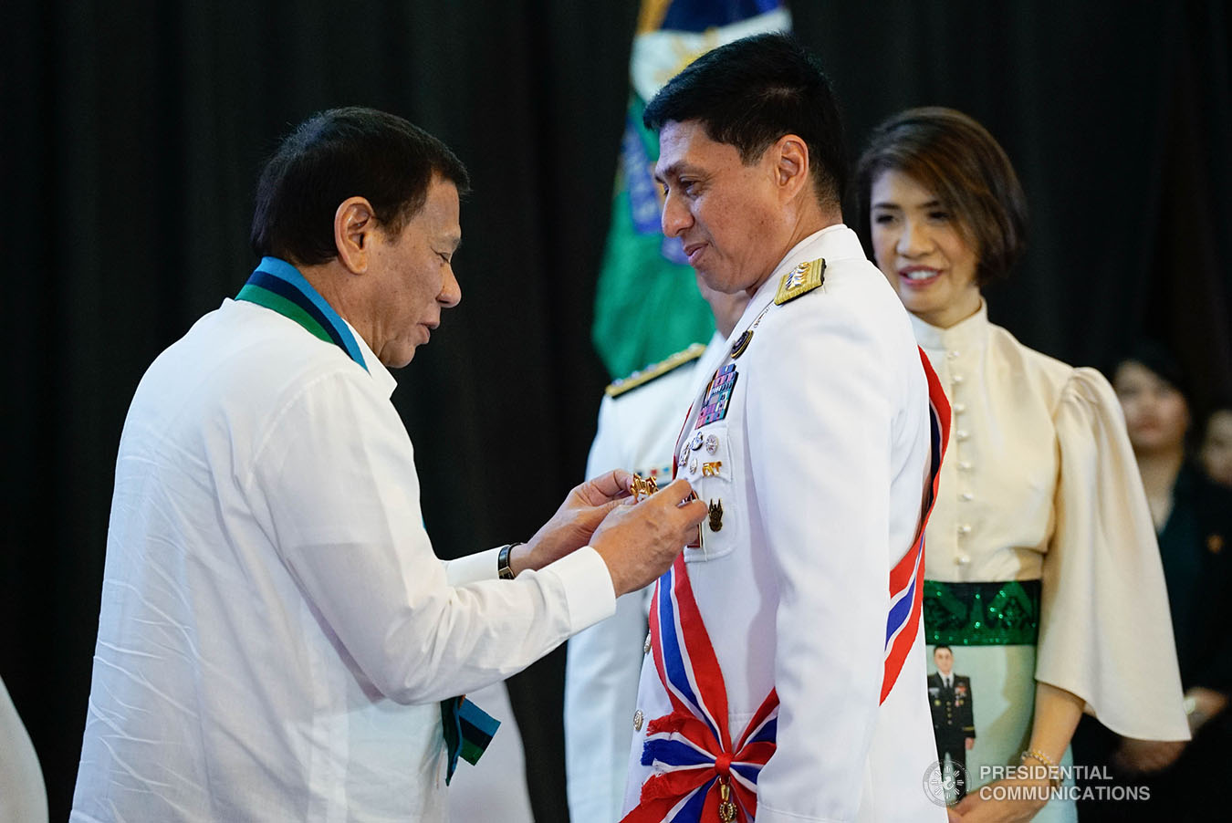 President Rodrigo Roa Duterte confers the Philippine Legion of Honor with the degree of Chief Commander on outgoing Armed Forces of the Philippines (AFP) Chief of Staff General Noel Clement during the AFP Change of Command ceremony at Camp General Emilio Aguinaldo in Quezon City on January 4, 2020. KING RODRIGUEZ/PRESIDENTIAL PHOTO