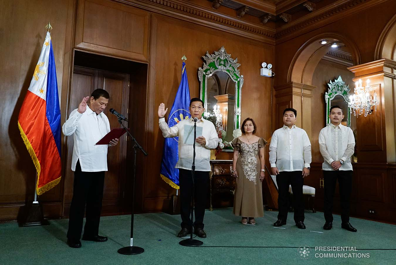 President Rodrigo Roa Duterte administers the oath to newly-appointed Supreme Court Associate Justice Samuel Gaerlan during a ceremony at the Malacañan Palace on January 8, 2020. KING RODRIGUEZ/PRESIDENTIAL PHOTO