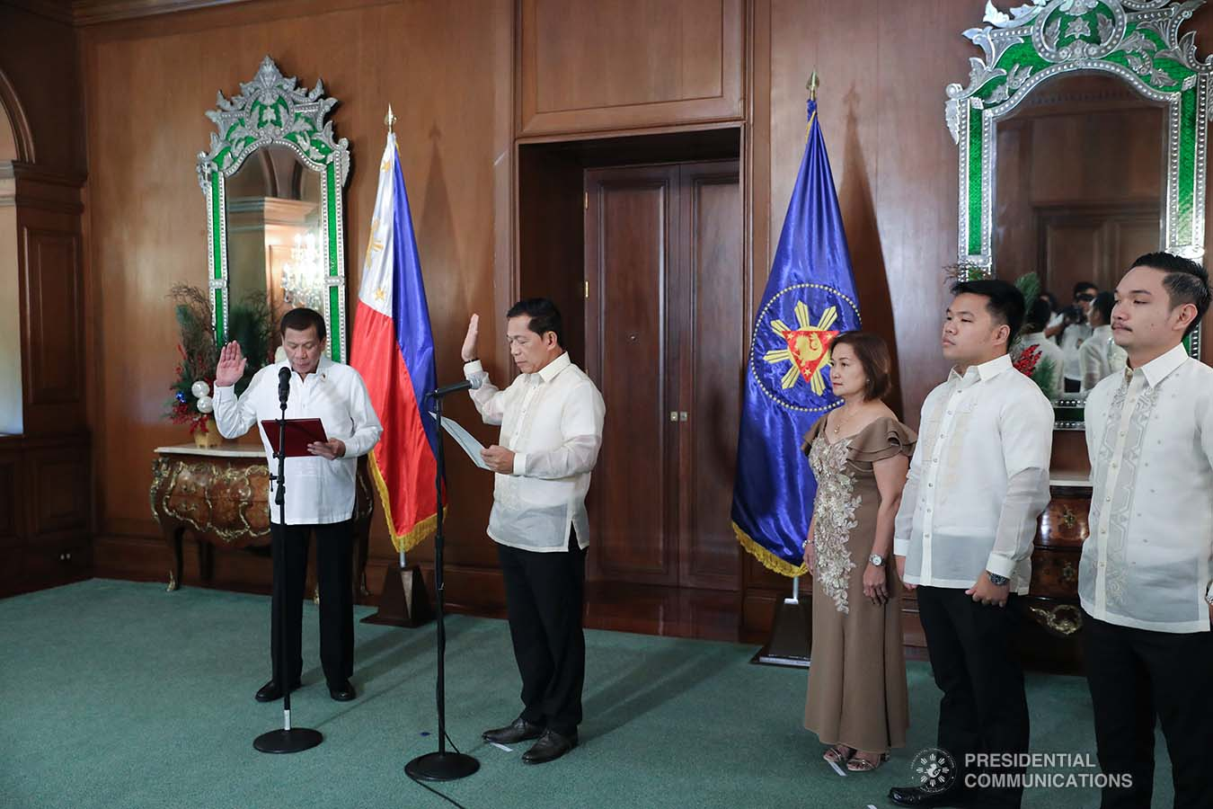 President Rodrigo Roa Duterte administers the oath to newly-appointed Supreme Court Associate Justice Samuel Gaerlan during a ceremony at the Malacañan Palace on January 8, 2020. VALERIE ESCALERA/PRESIDENTIAL PHOTO