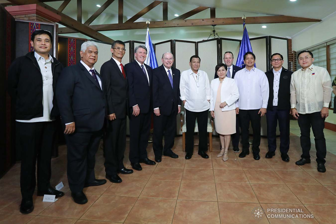 President Rodrigo Roa Duterte poses for posterity with the officials of the Church of Jesus Christ of Latter-Day Saints who paid a courtesy call on the President at the Malago Clubhouse in Manila on January 15, 2020. ALFRED FRIAS/PRESIDENTIAL PHOTO