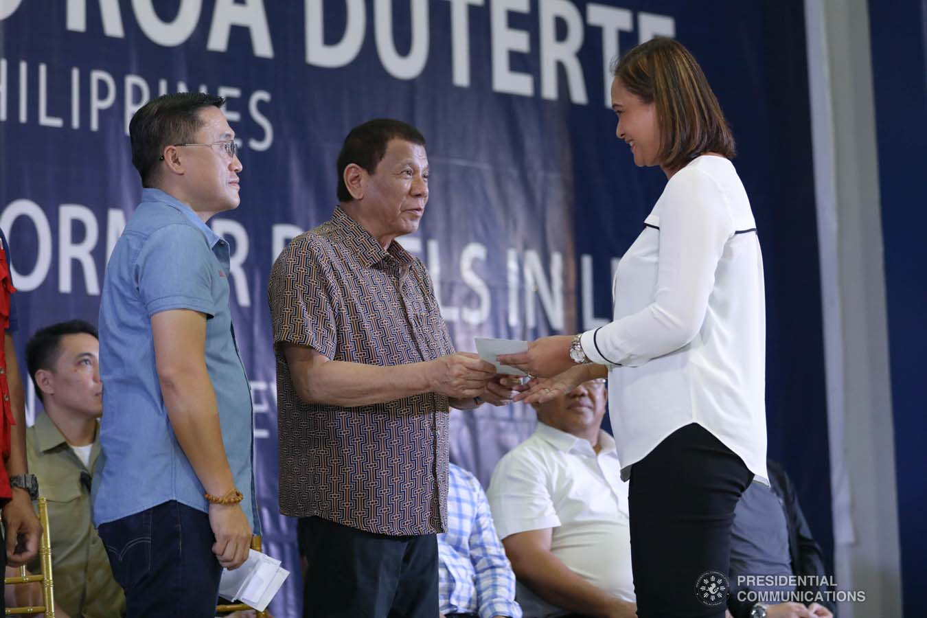 President Rodrigo Roa Duterte leads the distribution of benefits to former rebels at the San Isidro Central School in Leyte on January 23, 2020. KARL NORMAN ALONZO/PRESIDENTIAL PHOTO