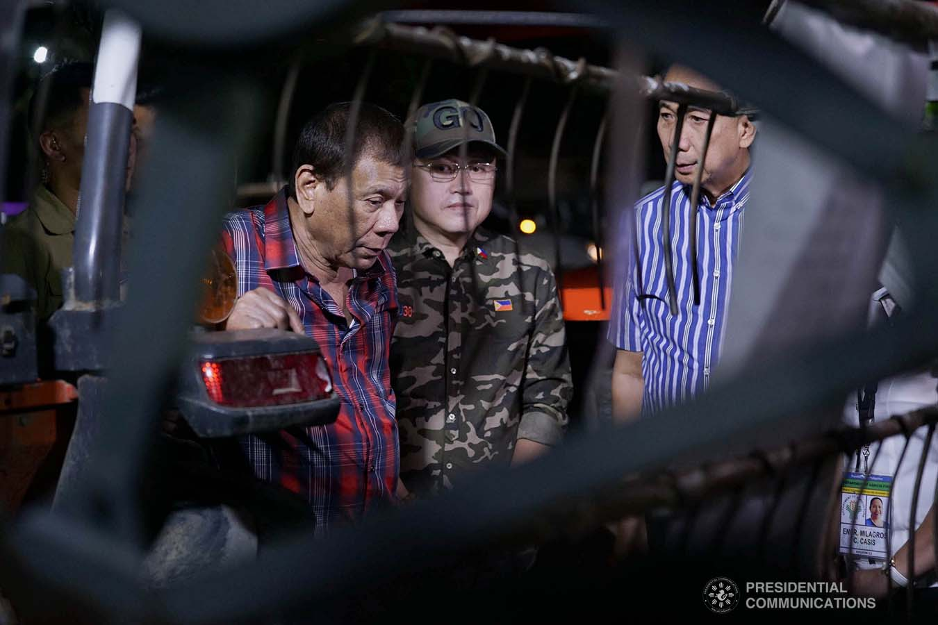 """President Rodrigo Roa Duterte inspects the farm machineries during the ceremonial distribution of agricultural assistance to the farmers of Region 12 at Pigcawayan Municipal Gymnasium in Cotabato on January 10, 2020. With the President are Senator Christopher """"Bong"""" Go and Agriculture Secretary William Dar. ARMAN BAYLON/PRESIDENTIAL PHOTO"""
