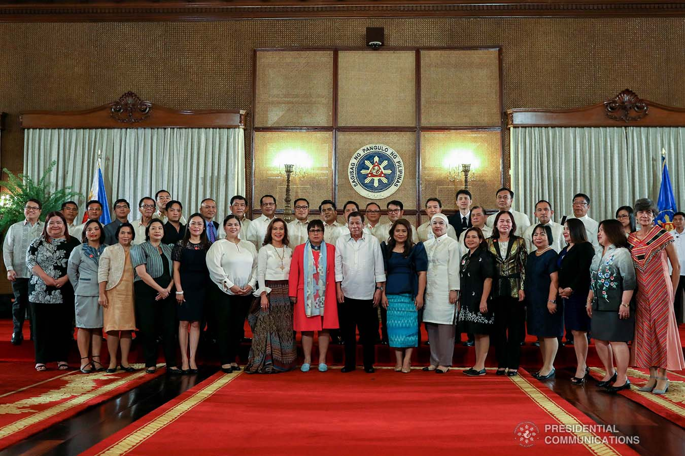 President Rodrigo Roa Duterte poses for posterity with the newly-appointed government officials during the oath-taking ceremony at the Malacañan Palace on February 6, 2020. KARL NORMAN ALONZO/PRESIDENTIAL PHOTO