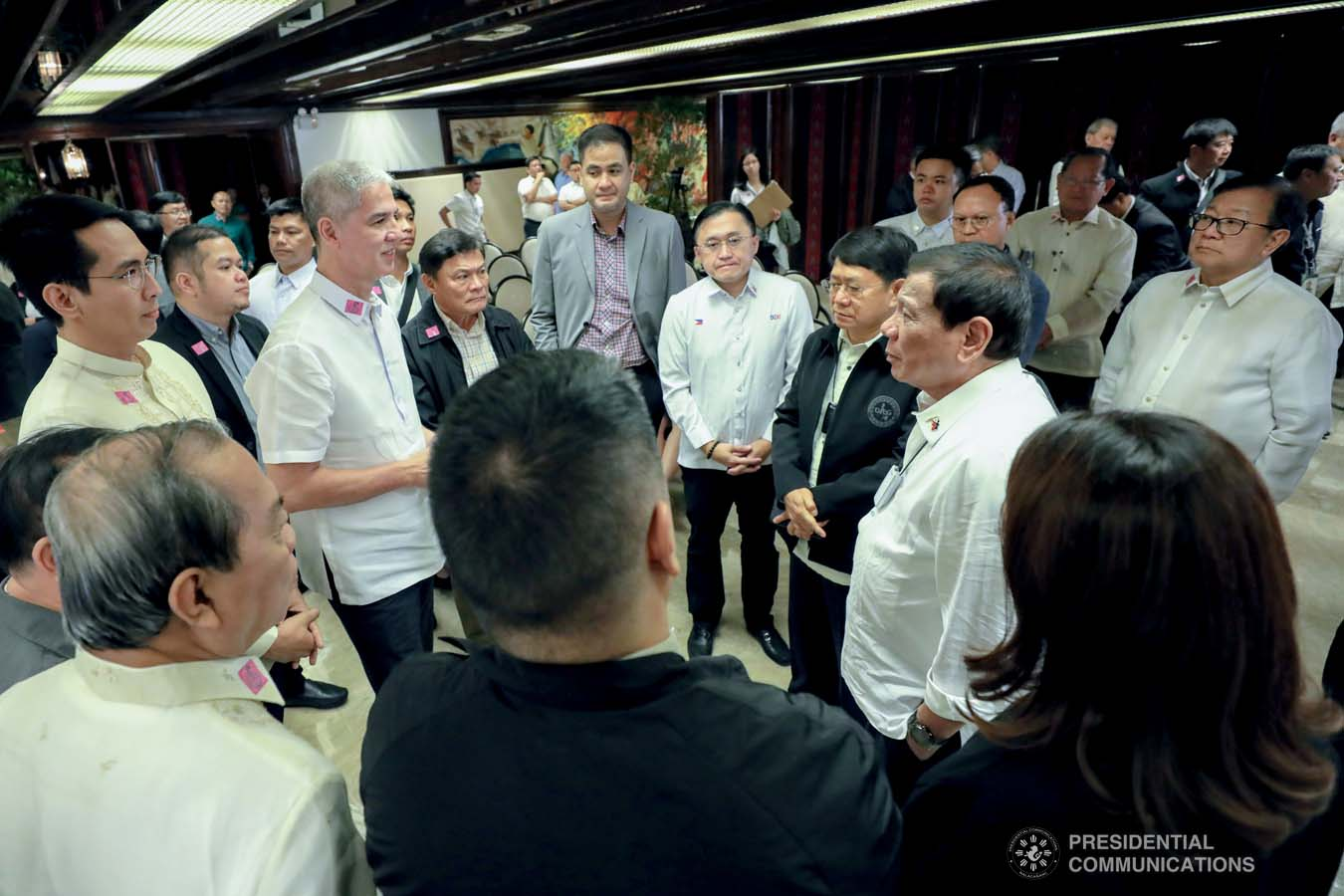 President Rodrigo Roa Duterte discusses matters with local government officials during a meeting at the Malacañan Palace on February 25, 2020. RICHARD MADELO/PRESIDENTIAL PHOTO