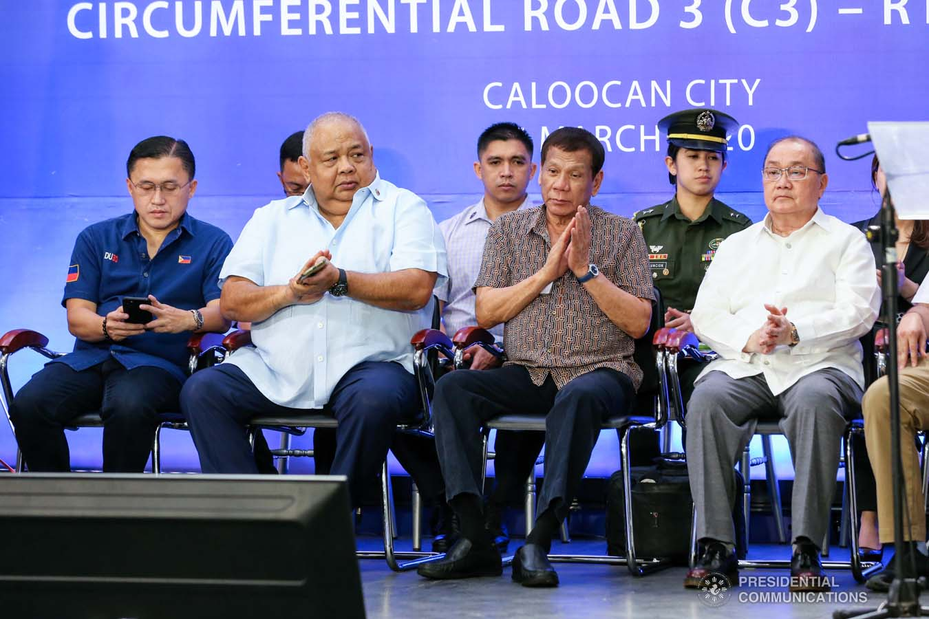 President Rodrigo Roa Duterte applauds after leading the inspection of the North Luzon Expressway (NLEX) Harbor Link Circumferential Road 3 (C3)-R10 Section in Caloocan City on March 5, 2020. RICHARD MADELO/PRESIDENTIAL PHOTO