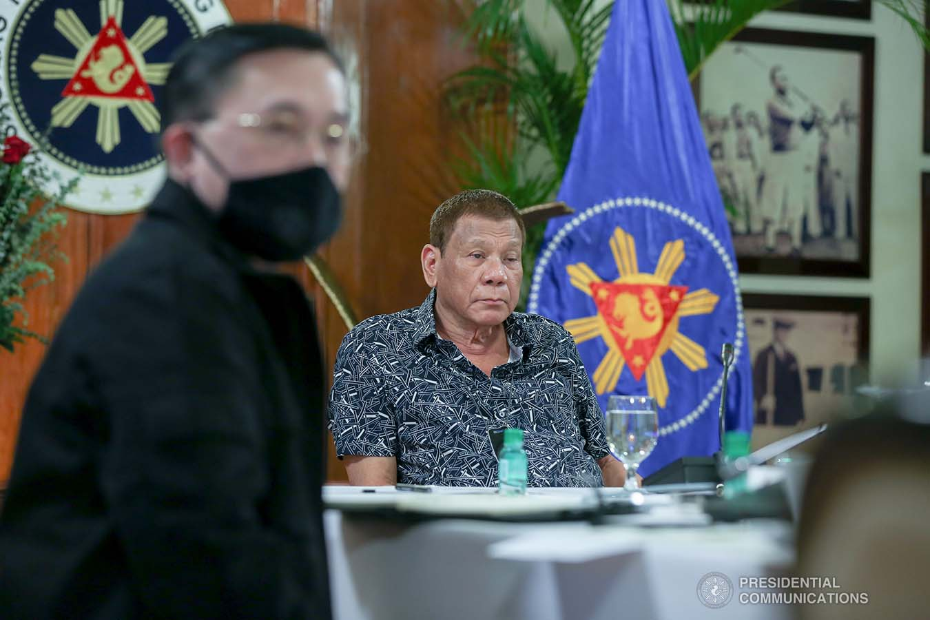 President Rodrigo Roa Duterte holds a meeting with the Inter-Agency Task Force on the Emerging Infectious Diseases (IATF-EID) core members at the Malago Clubhouse in Malacañang on June 30, 2020. SIMEON CELI JR./PRESIDENTIAL PHOTO