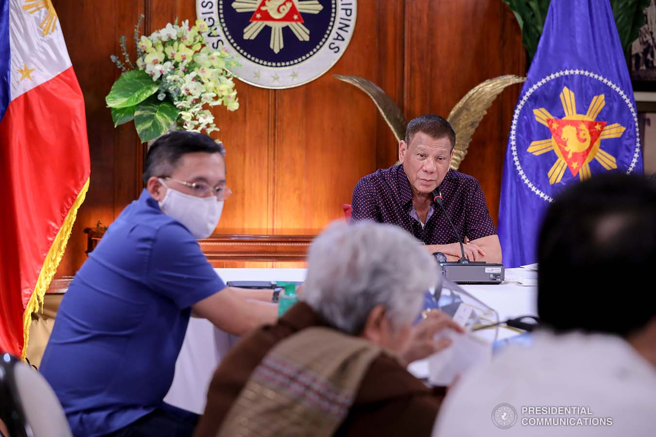 President Rodrigo Roa Duterte talks to the people after holding a meeting with the Inter-Agency Task Force on the Emerging Infectious Diseases (IATF-EID) core members at the Malago Clubhouse in Malacañang on July 21, 2020. ROBINSON NIÑAL JR./PRESIDENTIAL PHOTO