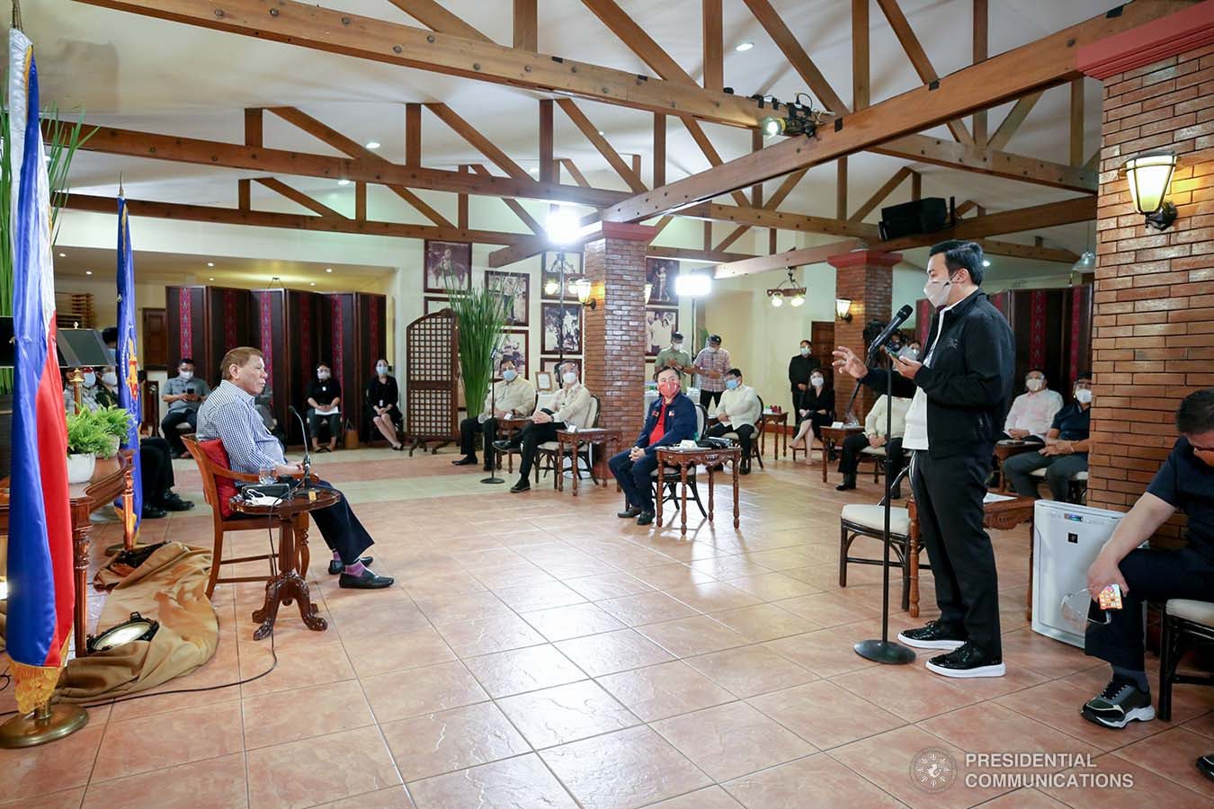 President Rodrigo Roa Duterte listens as Marinduque Representative Lord Allan Jay Velasco shares some remarks during a meeting with House Speaker Alan Peter Cayetano and several members of the House of Representatives at the Malacañang Golf (MALAGO) Clubhouse in Malacañang Park, Manila on September 29, 2020. The President called on Cayetano and Velasco, who were accompanied by their respective partymates and supporters in the Lower House, to discuss matters affecting Congress lately. RICHARD MADELO/PRESIDENTIAL PHOTO