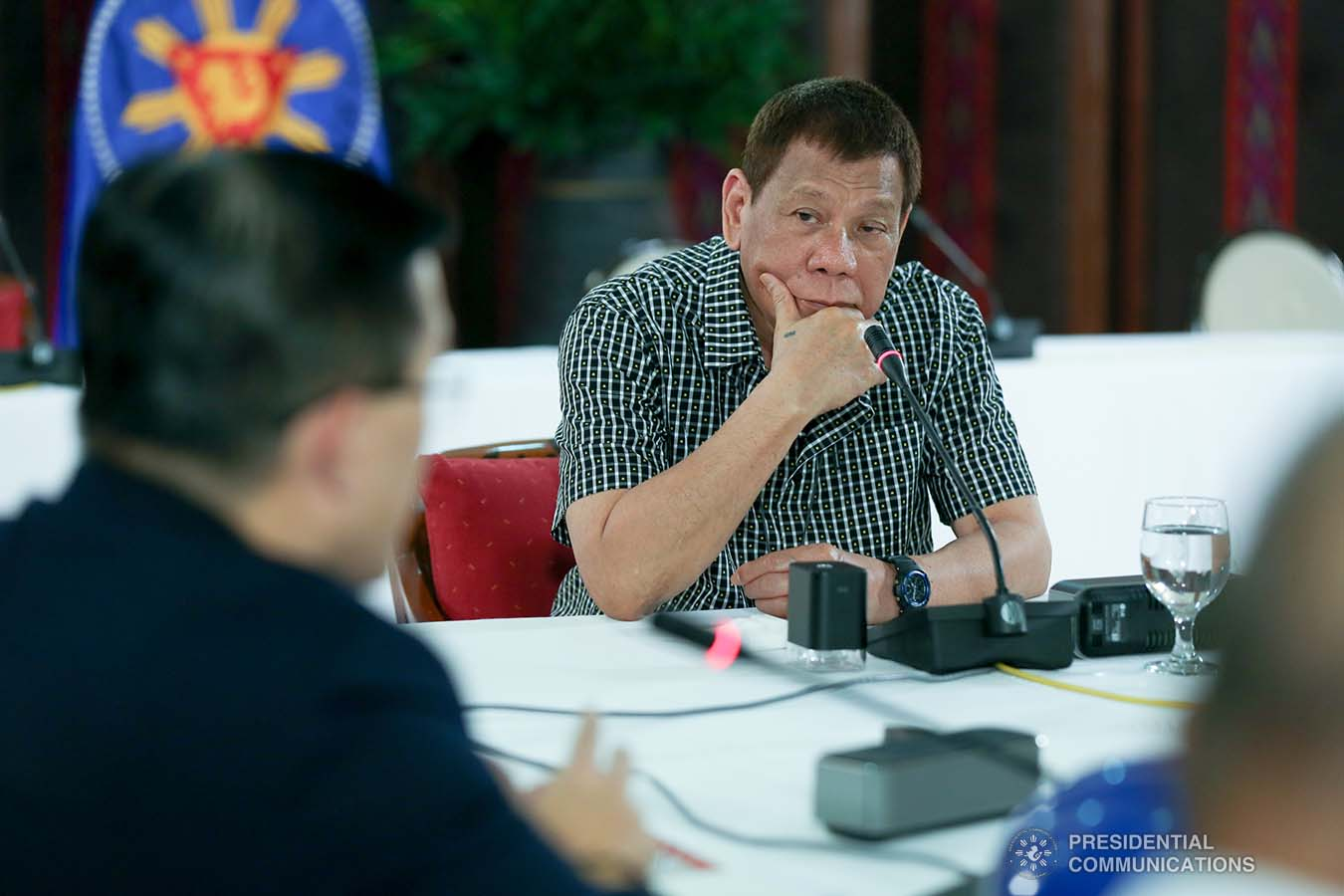 """President Rodrigo Roa Duterte delivers his remarks following a meeting with the officials of the Philippine National Police and the Armed Forces of the Philippines, discussing the impasse in Congress as he called on its members to resolve the issues on the passing of the national budget for 2021 at the Malacañang Golf (Malago) Clubhouse in Malacañang Park, Manila on October 8, 2020. Joining the meeting are Executive Secretary Salvador Medialdea, Interior and Local Government Secretary Eduardo Año, and Senator Christopher """"Bong"""" Go. SIMEON CELI/ PRESIDENTIAL PHOTO"""