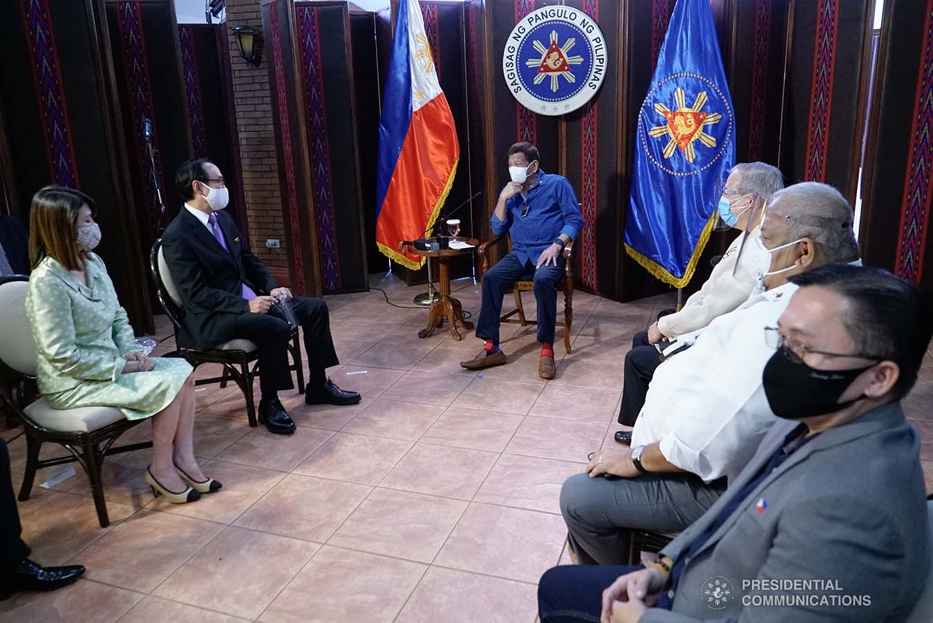 President Rodrigo Roa Duterte discusses matters with outgoing Ambassador of Japan to the Philippines Koji Haneda who paid a farewell call on the President at the Malacañang Golf (Malago) Clubhouse in Malacañang Park, Manila on November 10, 2020. KING RODRIGUEZ/ PRESIDENTIAL PHOTO