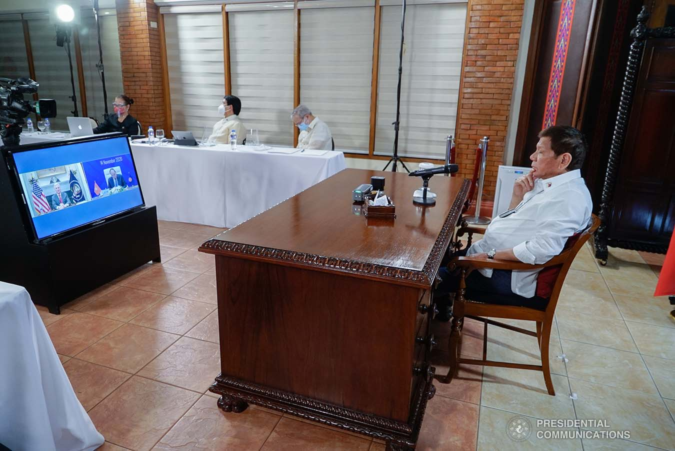 President Rodrigo Roa Duterte listens to the remarks delivered by United States National Security Adviser Robert O'Brien, who represented President Donald Trump, during the virtual 15th EAST ASIA Summit at the Malacañang Golf (Malago) Clubhouse in Malacañang Park, Manila on November 14, 2020. KING RODRIGUEZ/ PRESIDENTIAL PHOTO
