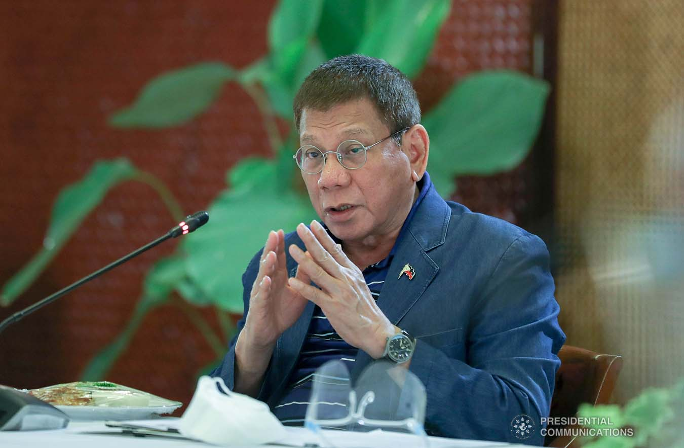 President Rodrigo Roa Duterte went back to Manila a day after Christmas to meet selected members of his Cabinet along with infectious disease experts. The emergency meeting, held in Malacañang Palace on December 26,2020, was convened to discuss the emerging fast-spreading new variant of Coronavirus (Covid-19) disease found in the United Kingdom. ALFRED FRIAS/ PRESIDENTIAL PHOTO