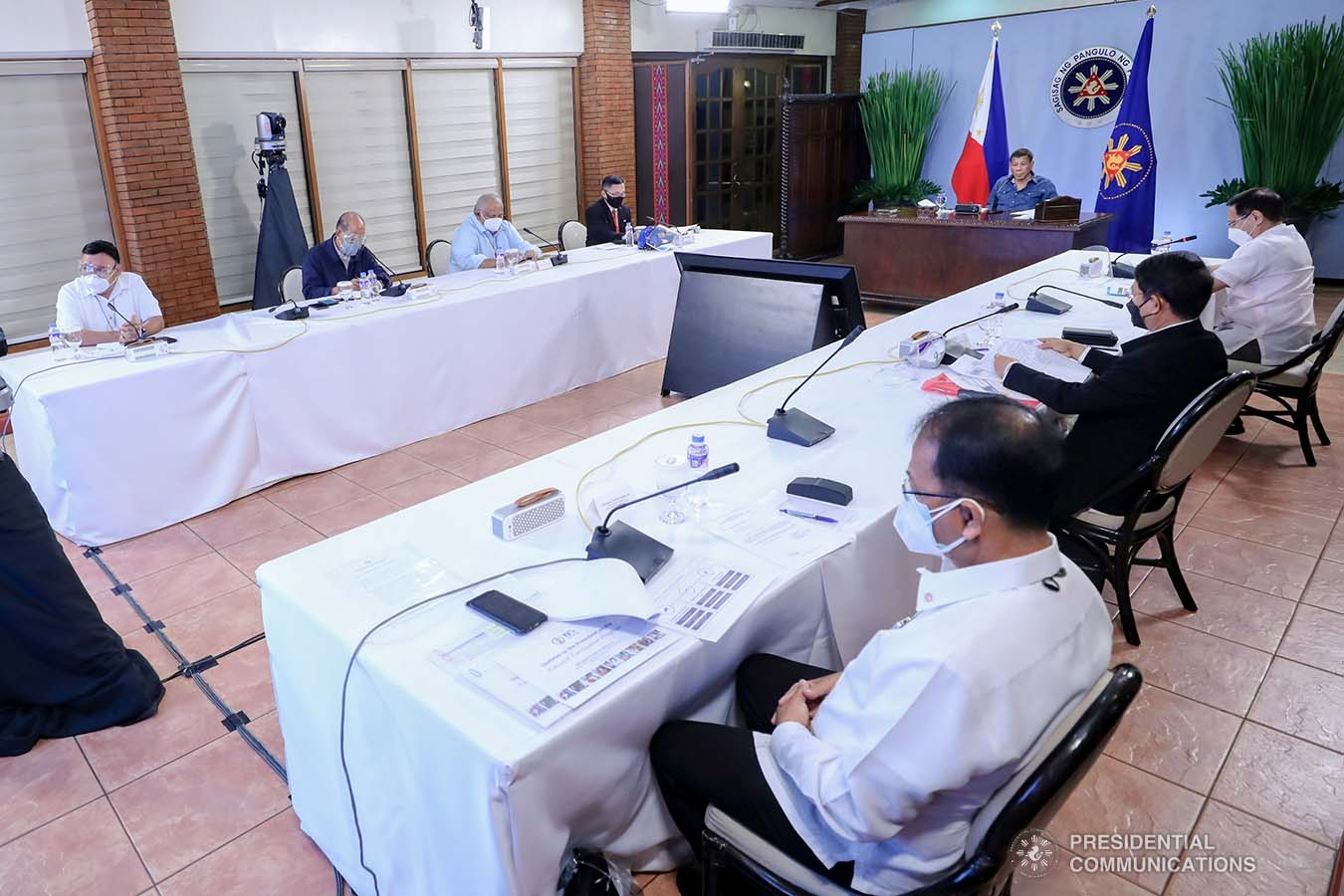 President Rodrigo Roa Duterte presides over a meeting with the Inter-Agency Task Force on the Emerging Infectious Diseases (IATF-EID) core members prior to his talk to the people at the Malacañang Golf (Malago) Clubhouse in Malacañang Park, Manila on May 26, 2021. RICHARD MADELO/ PRESIDENTIAL PHOTO