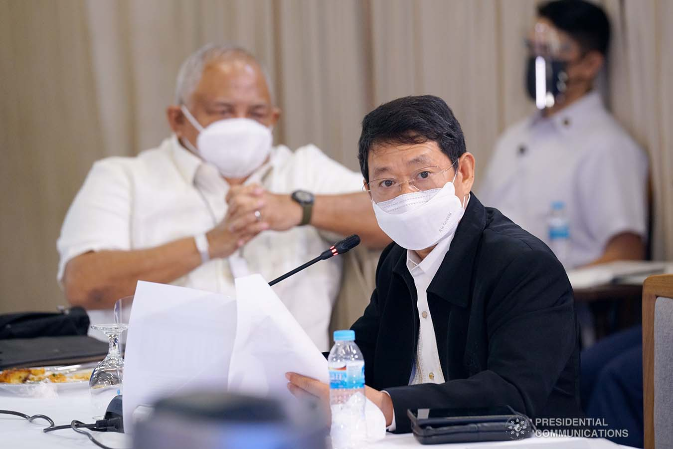 Interior and Local Government Secretary Eduardo Año gives an update to President Rodrigo Roa Duterte during a meeting with the Inter-Agency Task Force on the Emerging Infectious Diseases (IATF-EID) core members at the Arcadia Active Lifestyle Center in Matina, Davao City on September 22, 2021. ROEMARI LISMONERO/ PRESIDENTIAL PHOTO